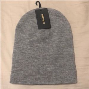 FOREVER 21 Grey Winter Beanie Hat